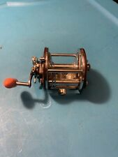 Vintage PENN PEER 209 with Maroon Plates Level Wind Fishing Reel Great Condition