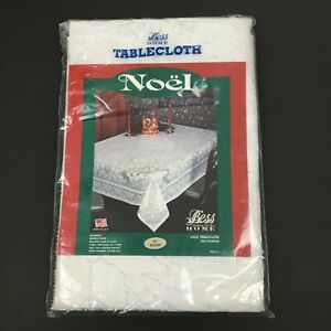 """Vintage Bess Fashion for the Home 70"""" Round Christmas Lace Tablecloth - Noel"""