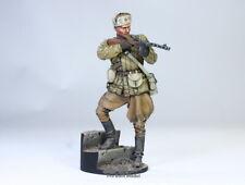 (Pre-Order) Soviet Soldier Fighting in Stalingrad WWII 1:16 Pro Built Model