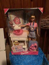 1998 Muñeca Barbie Sweet Treats con mezclador de trabajo real-Sin usar en caja nunca quitado de la Caja!!!