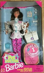 Barbie Mattel Pet Doctor Brunette -Veterinaria Vintage 96' RARA!