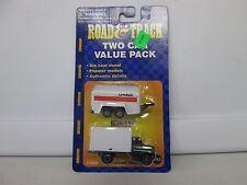 Maisto Road & Track Two Car Value Pack International Utility Van No 43 (2)