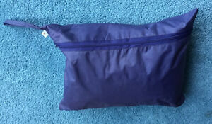LADIES SIZE L BREATHABLE PAC-A-MAC WITH BAG & HIDDEN HOOD