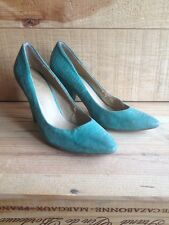 Rare Green Court Shoes Snake Skin Size 6 (small fitting 5-6)
