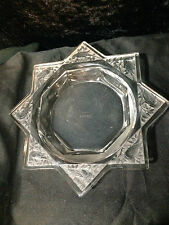 VINTAGE RARE LALIQUE 8 SIDED STAR DISH WITH BLOCK LETTER SIGNATURE