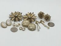 VINTAGE LOT 7 PAIR GOLD TONE WHITE FAUX PEARL FLOWER ROUND CLIP ON EARRINGS