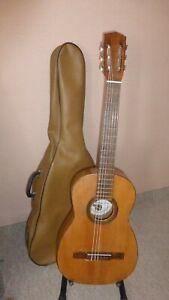 Jose Fernandez Giner Spanish Flamenco Classical guitar from 1950 s.
