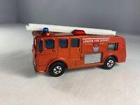 Vintage Lesney Matchbox Superfast #35 Merryweather Fire Engine NEAR MINT 1969