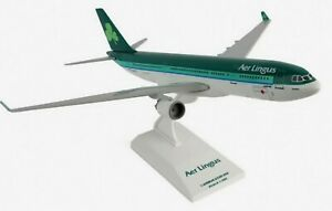 Airbus A330-200 Aer Lingus Skymarks Resin Collectors Model Scale 1:200 SKR151