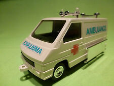 PLASTIC  1:32? - RENAULT TRAFFIC  AMBULANCE     RARE SELTEN -  IN MINT CONDITION