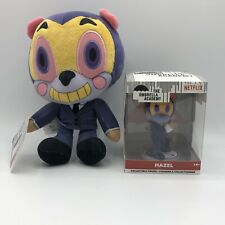 The Umbrella Academy Exclusive Netflix ToyFair Collectible Figure HAZEL + Plush