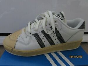 Genuine Adidas Rivlary FW6094 Mens Trainers size UK 8.5 , Eur 42.5 Sneakers