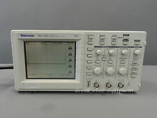 Tektronix TDS220 Digital Oscilloscope 100 MHz 2 Channels