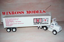 TNT North America Winross Diecast  Trailer Truck