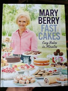 Fast Cakes: Easy Bakes In Minutes by Mary Berry (2018) Hardback Cookbook