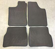 Autoteppich Fußmatten für Audi A6 4F und quattro Grau Velours 4teilig Neuware