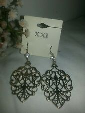 ♡ Vintage Downton  Abbey Style    Antique Gold Tone Earrings ♡