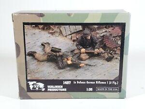 """Verlinden 1/35 """"In Defense"""" German Riflemen I WWII 2 Figure Set 1497 NEW"""