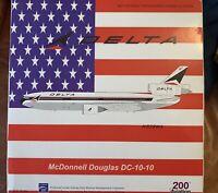 1:200 Delta Airlines DC-10 N908WA Widget
