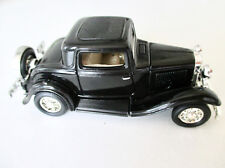 Ford 3-Window Coupé 1932 - Road Signature 1:43