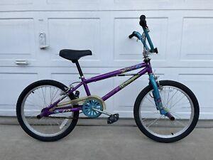 "Mongoose Fling 100 20"" BMX Bike Purple"