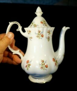 Beautiful Royal Albert Winsome Coffee Pot