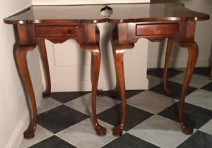 PAIR OF VINTAGE CUSTOM WOODWORKING PINE QUEEN ANNE END TABLES