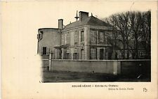CPA Couhe-Verac - Entree du Chateau (365613)