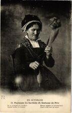 CPA Paysanne du Gardales en Costume de Fete (250533)
