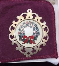 LUNT 1978 STERLING SILVER AND ENAMEL WREATH ORNAMENT