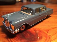 Dinky Toys Mercedes 220 SE  186