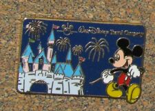 B8 PIN DISNEY TRADING PIN MICKEY MOUSE CASTLE TRAVEL COMPANY LIMITED EDITION