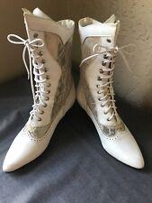 Women/'s vintage Oak Tree Ankle Booties size 6
