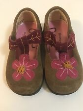 Munchkin Toddler Shoes Size 5 brown and pink suede Velcro