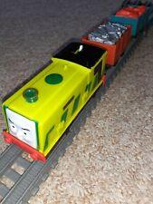 Trackmaster REVOLUTION Thomas & friends train MOTORISED SCRUFF, TRUCKS & CARGO