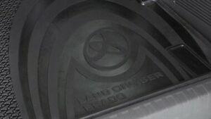 Genuine TOYOTA LAND CRUISER PRADO 4.0 V6 VVTi (GRJ150) 2012 on Cargo Mat