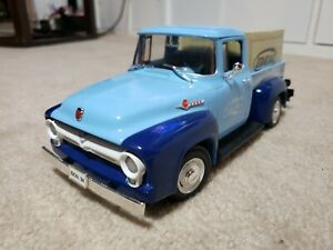 1956 Ford F100 Delivery Pick Up 1:18 1:18 scale diecast model