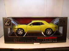 YELLOW 2006 DODGE CHALLENGER R/T HIGHWAY 61/DCP 1:18 SCALE DIECAST METAL CAR