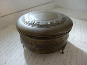 petite boîte à bijoux ancienne vintage capitonnée, métal argenté