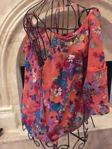 NWOT Nicole Miller Floral printed Cold Shoulder  Blouse ( L  )