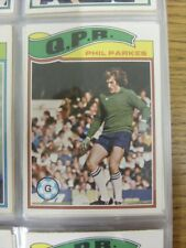 1978/1979 Queens Park Rangers - Card No.105) Phil Parkes  - Topps Chewing Gum Tr