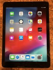 Apple iPad Air 1st Gen. 16GB, Wi-Fi, 9.7in - Space Gray With Case