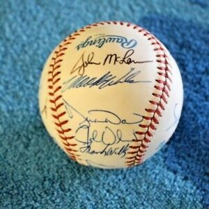 1990 Toronto Blue Jays team autographed baseball 17 signatures MINT