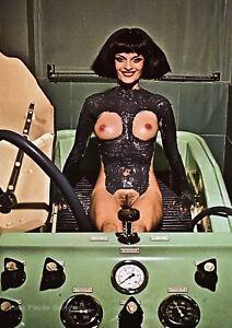 1974 Vintage HELMUT NEWTON Female Nude Spa Mud Beauty Treatment Photo Art 16X20
