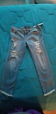 NWT Hollister Low Rise Boyfriend Crop Destroyed Jeans Ripped Raw Hem 11R