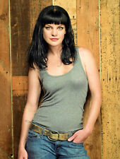 Pauley Perrette Hand In Pocket 8x10 Picture Celebrity Print