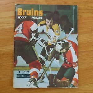 BOSTON BRUINS vs DETROIT RED WINGS Dec 5 1974 Program BOBBY ORR PHIL ESPOSITO