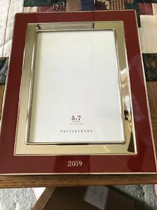 Pottery Barn Red Enamel 5 X 7 - 2019 Picture Frame