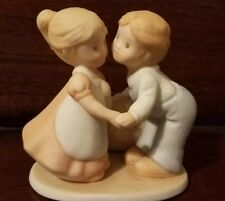 """Circle of Friends by Masterpiece Figurine """"First Kiss"""" Homco 1991"""
