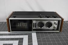 Vintage 1970s Panasonic RC-7469 AM/FM/AFC Flip Number Alarm Clock Radio